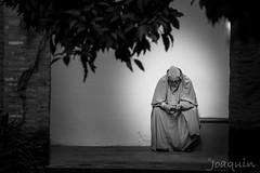 wastsapp?? (Joaquínrod) Tags: burka bw persona musulman arabe hijab khimar