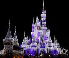 Fantasia¡¡¡ (handreitav) Tags: magickindom merrychristmas xmas disney park castle lights night
