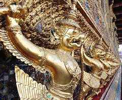 Wat Phra Kaew,  images of Garuda (~J♡onbicykle ☞) Tags: thailand tajlandia bangkok watphrakaeo świątyniaszmaragdowegobuddy garuda