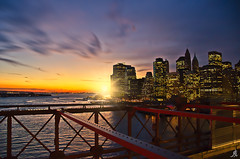 Kissed by the sun (Alessandro Giorgi Art Photography) Tags: city città newyork america usa united states stati uniti ny apple mela big grande sunset sundown tramonto skyscrapers grattacieli sky cielo panorama skyline cityscape bridge brooklyn ponte sera evening outdoor nikon d7000 american manhattan overview