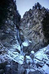Prendre le frais sur un banc.... (yoduc73) Tags: banc glace givre cascade montagne alpes tarentaise pralognan vanoise