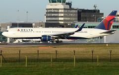 B763 Delta (matgawron) Tags: plane planespotting airport landing gear power airbus boeing man egcc b757 ielandair a321 a320 a319 sas aegan brussels austrian embraer a170 a175a190 a195 american usa delta b763 b767 b752 b747 thomas cook easyjet ryanair vueling cathay pacific hainan b777 b773 b772 sun v1 rotate take off