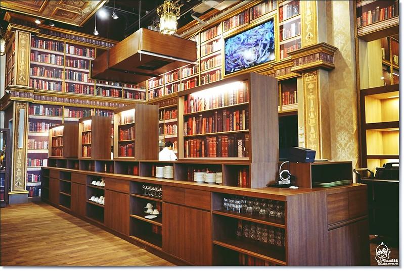 32522052185 65bbd9917f c - 『熱血採訪』台中東區 CUCLOS Cafe & Kitchen 馥樂詩輕食餐廳/新天地西洋博物館-一起走入文藝復興時期的古典歐洲之旅,造訪台中最美麗古典優雅的圖書館餐廳