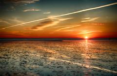 Sonnenuntergang im Wattenmeer (chrisar676) Tags: sunset red cloud sun reflection rot weather clouds reflections landscape coast sonnenuntergang sony wolke wolken lowtide landschaft sonne nordsee hdr highdynamicrange watt wetter reflektion küste ebbe reflektionen büsum nordseeküste hdrefexpro2 sonydscrx100m3