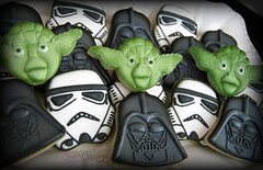 Heidi Star Wars (5)-1 (christine-sugarcravings) Tags: starwars yoda stormtrooper darthvader decoratedcookies