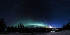 Aurora 01 December 2015 (Marcus Nordenstrm) Tags: city trees panorama moon snow night stars lights sweden aurora rise northern jmtland borealis norrland norrsken ragunda kp3