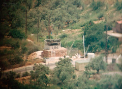 4-26 CP (Normann Photography) Tags: lebanon 35mm binoculars telescope 427 1992 op filmcamera cp 426 checkpoint observationtower compactcamera libanon observationpost unifil unitednationsinterimforceinlebanon fntjeneste
