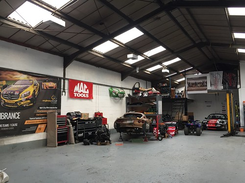 We have a relatively tidy workshop to start 2017. Not sure how long it'll last...