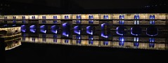 Faire barrage à Strasbourg c'est très Vauban (Thierry.Vaye) Tags: barrage vauban strasbourg nuit marché noël nikon d600 samyang 35mm f14