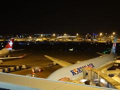201612034 Zürich airport with KE and LX airplanes (taigatrommelchen) Tags: 20161252 switzerland zürich night airport airplane zrh lszh kal swr