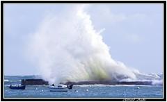 Avis de coup de vent,Gale warning (explore 01.03.2017) (De Bretagne et d'ailleurs) Tags: bateaux bretagne digue déferlantes lomener mer morbihan océan port tempête canon5dmkii vagues canon 70200f4
