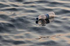 Flaske (Benny Hnersen) Tags: holiday water bottle wasser greece griechenland flasche ferie sivota vand flaske syvota 2015 augsut grkenland