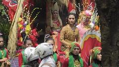 Tim Barongan SMAN 1 BLORA (kayreal) Tags: girls woman girl beauty festival indonesia women traditionalart indah asiangirl wanita 2015 cantik blora agustusan gadis cewek indonesiangirl demosntrasi pertunjukan barongan beautufiul senitradisional khairiladi festivalbarongan sma1blora smktunjungan