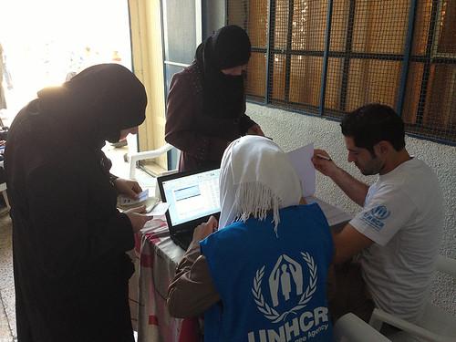 2014 - Distribuição de assistência humanitária em Homs