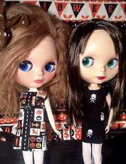 Blythe-a-Day #19 Favorite Ghost Story: Mimsy & Rosalind Say Goodbye to Halloween