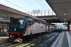 E464.294 Trenord in sosta a Milano P. Garibaldi (simone.dibiase) Tags: e464 trenord trenitalia ferrovie dello stato italiane nord milano porta garibaldi sosta binario fs ita it 294 pantografi giù train station stations rail rails railway railways italy italia france francia loco locos locomotive locomotiva nikon d3300 dslr camera nikond3300 passion passione trainspotter best picture world