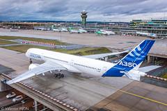 A350 sur Orly (vy.photographe) Tags: a350 airbus avion aéroport tourdecontrôle tarmac taxiway pont nationale7 aéronautique apron aviondessai lfpo ory orly roulage airbusa350