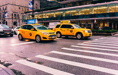 Confidence comes from accomplishments (RomanK Photography) Tags: manhattan nyc newyorkcity streetphotography streets streettogs intersections sonyalpha taxi yellowcab