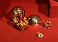 Egg-and-Hen Egg (ktmqi) Tags: metropolitanmuseumofart fabergé easteregg gold hardstone jewlery decorativearts russia stpetersburg enamel matildageddingsgraycollection