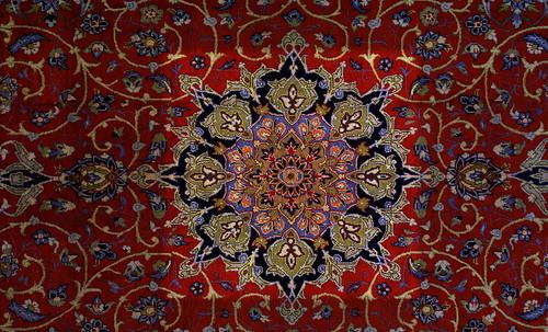 """Alfombras, espacios íntimos que simbolizan templos, árboles de la vida y el conocimiento, astros y paradisos. • <a style=""""font-size:0.8em;"""" href=""""http://www.flickr.com/photos/30735181@N00/32610070515/"""" target=""""_blank"""">View on Flickr</a>"""