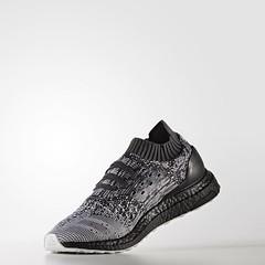 """""""อัลตร้าบูสท์ อันเคจ"""" รองเท้าวิ่งสุดยอดนวัตกรรมที่ได้แรงบันดาลใจจากนักกีฬาและเหล่าแฟนคลับ จะเจ๋งแค่ไหนมาดูกัน  สอบถาม   Line @fshop2016  https://line.me/R/ti/p/%40fshop2016  Website   https://www.fashionsshop2016.com/category/8/adidas-nmd     #nmd_r1 #adi"""