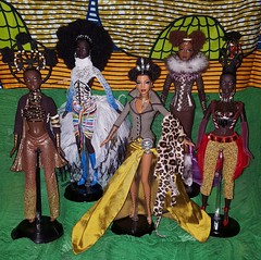 Yaaasssssssssssssss (Handbags & Nappy Barbies) Tags: tatu mattel tano moja blackdoll blackbarbie nne barbiecollector mbili blackdolls byronlars treasuresofafrica