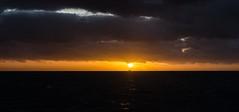 Blauwe Slenk - 18.22 uur (Dirk Bruin) Tags: sunset waddenzee de vlieland zonsondergang van rede blauwe watertaxi slenk noordwest geus richel vlieree