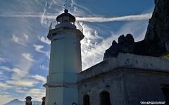 Il Faro (supervito) Tags: faro barca mare palermo sicilia gabbiano scogliera capozafferano santaflavia vitodimodica