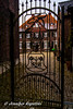 Familienwappe (Bernsteindrache7) Tags: art sony alpha 100 build metal stone street city house outdoor