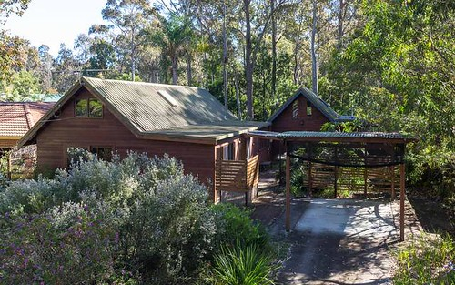 8 River Road, Mossy Point NSW 2537