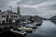 Sète en gris (Little Tony Bacon) Tags: sète sud france ville nuage quai mer bateau