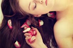 خلطة ماء الورد لشعر طويل في وقت قصير (Arab.Lady) Tags: خلطة ماء الورد لشعر طويل في وقت قصير