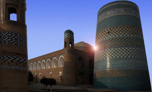 "Torres legendarias / Faros, minaretes, campanarios, rascacielos • <a style=""font-size:0.8em;"" href=""http://www.flickr.com/photos/30735181@N00/31722256493/"" target=""_blank"">View on Flickr</a>"