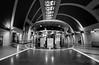 Köln U-Bahn Heumarkt (Der Hamlet) Tags: kvb köln cologne ubahn subway heumarkt untergrund underground blackandwhite schwarzundweiss monochrome urbanes kiosk büdchen architektur