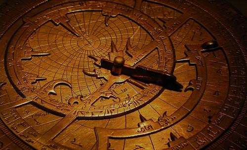 "Astrolabios, ubicantes de estrellas guía • <a style=""font-size:0.8em;"" href=""http://www.flickr.com/photos/30735181@N00/32230763880/"" target=""_blank"">View on Flickr</a>"
