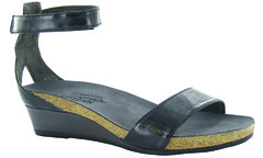 "Naot Pixie sandal black • <a style=""font-size:0.8em;"" href=""http://www.flickr.com/photos/65413117@N03/32544984741/"" target=""_blank"">View on Flickr</a>"