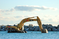 Backhoe front crawl - by tracer.ca