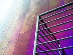 Violet dream (selva) Tags: seattle seattlecenter emp experiencemusicproject colorful gehry frankgehry metal purple gold orange grapefruit railing lines architecture shiny geotagged geolat47621400 geolon122347800 25 iridescent iridescence