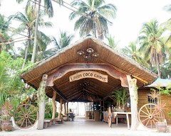Welcome to Laiya Cocogrove (OURAWESOMEPLANET: PHILS #1 FOOD AND TRAVEL BLOG) Tags: laiya cocogrove catman