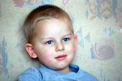 DSC_0521 (Jozef Andrzej Bossowski) Tags: bajki kozioek dwulatek podczas ogldania matoek oglda bajk