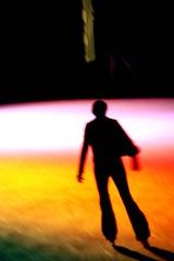 Glide (aqui-ali) Tags: sanfrancisco light usa ice silhouette night fv5 embarcadero skater iceskate utatasilhouette aquiali:a=1