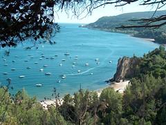 baia azul (Gustty) Tags: blue praia portugal azul mar gustavo setbal setubal atlanticocean sado arrabida riosado gustty serradaarrbida verssimo gustavoverssimo wwwflickrcomphotosgustty