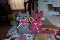 sweaterkitties (Emilyannamarie) Tags: sculpture mos soft december handmade mama softies fabric quilts sews
