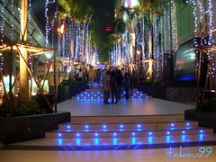 Christmas Illumination at Siam Paragon, Bangkok Thailand (_takau99) Tags: 2005 christmas xmas trip travel blue light vacation holiday up topv111 topv2222 night thailand lights topv555 topv333 nikon asia southeastasia december bangkok topv1111 topv999 topv444 illumination topv222 explore topv5555 thai tropical coolpix topv777 s1 topv3333 topv4444 siam topv666  bkk topv888 paragon topv6666 topv7777  krungthep  siamparagon   takau99