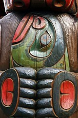 Totems - Campbell River (340) - by kk+