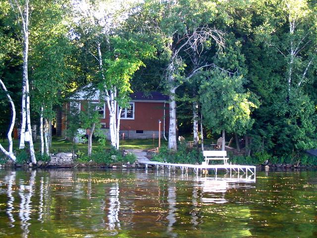 cottage rolling stone lake