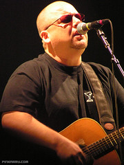 Frank Black of the Pixies - Houston, TX (!i) Tags: frankblack blackfrancis thepixies pixies reliantarena reliant concert show band music singer acoustic