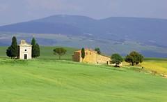 Tuscan Farm house and chapel (amsrun) Tags: blue italy green yellow farmhouse topf50 bravo tuscany mostfavorited fields pick10 222v2f