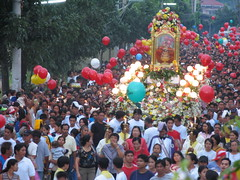 sinulog 2006 - early morning procession (adlaw) Tags: sinulog sinulog2006 procession stonino festival cebu cebucity philippines fluvialparade colors tradition culture religion faith catholic cebusugbo