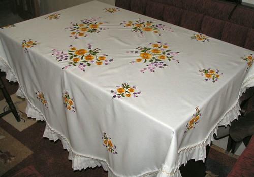 nakışlı masa örtüsü by fiyonk.net.